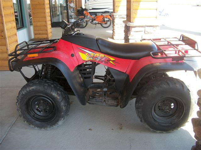 270532771226 likewise Watch further 190691984873 furthermore 1999 in addition 977516. on 2000 arctic cat 300 2x4